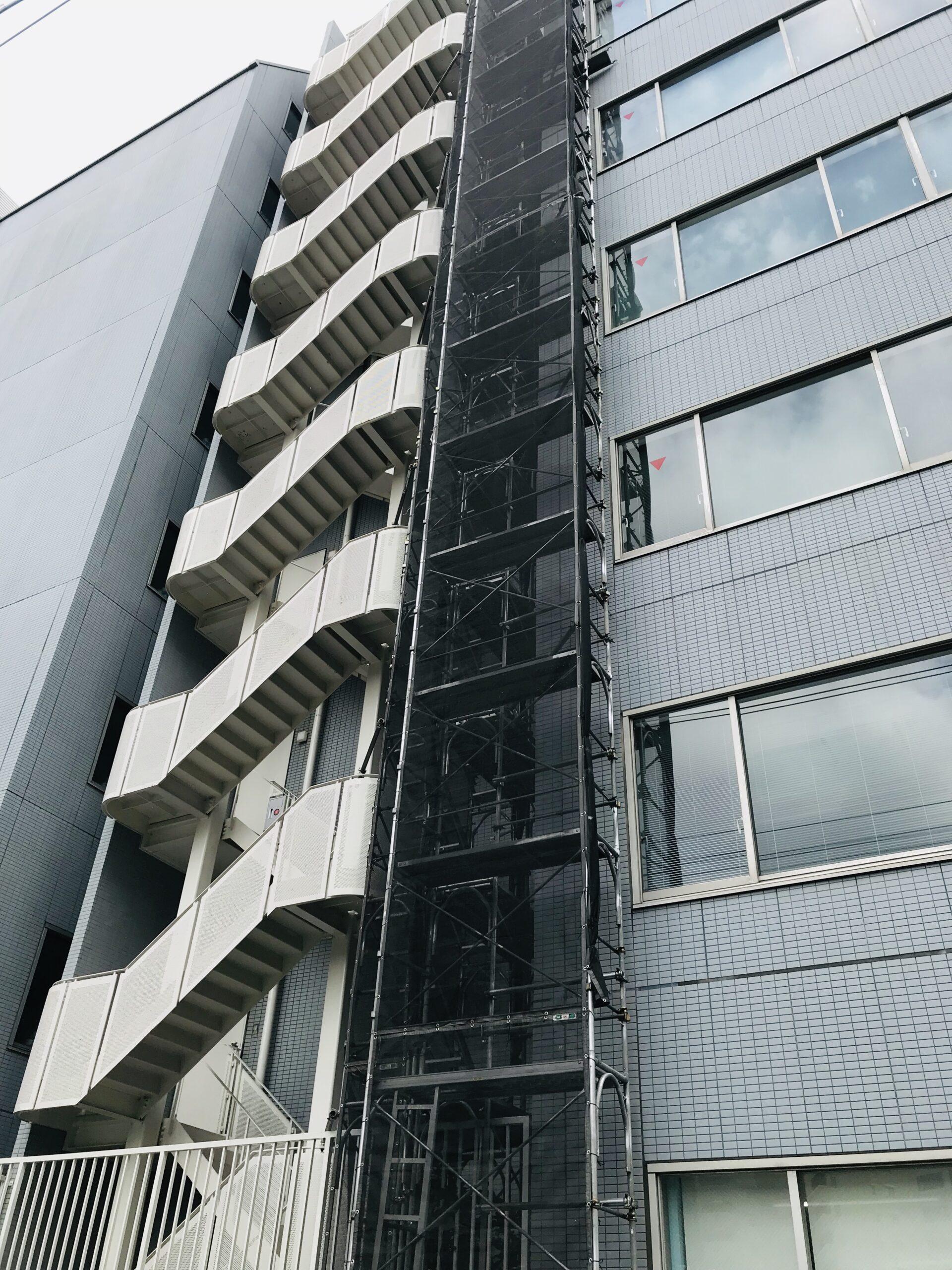 横浜駅西口 小規模改修工事